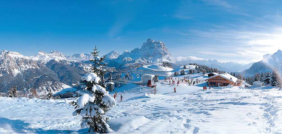 Italy_The-Dolomites-Ski-Area_Selva_Resort-view3.jpg